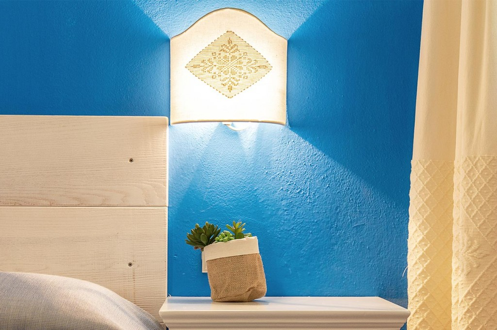 albergo-santa-maria-santa-maria-navarrese-camera-blu-6