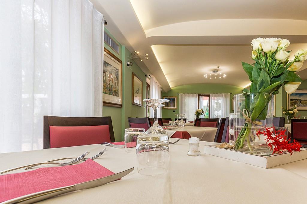albergo-santa-maria-santa-maria-navarrese-ristorante-1