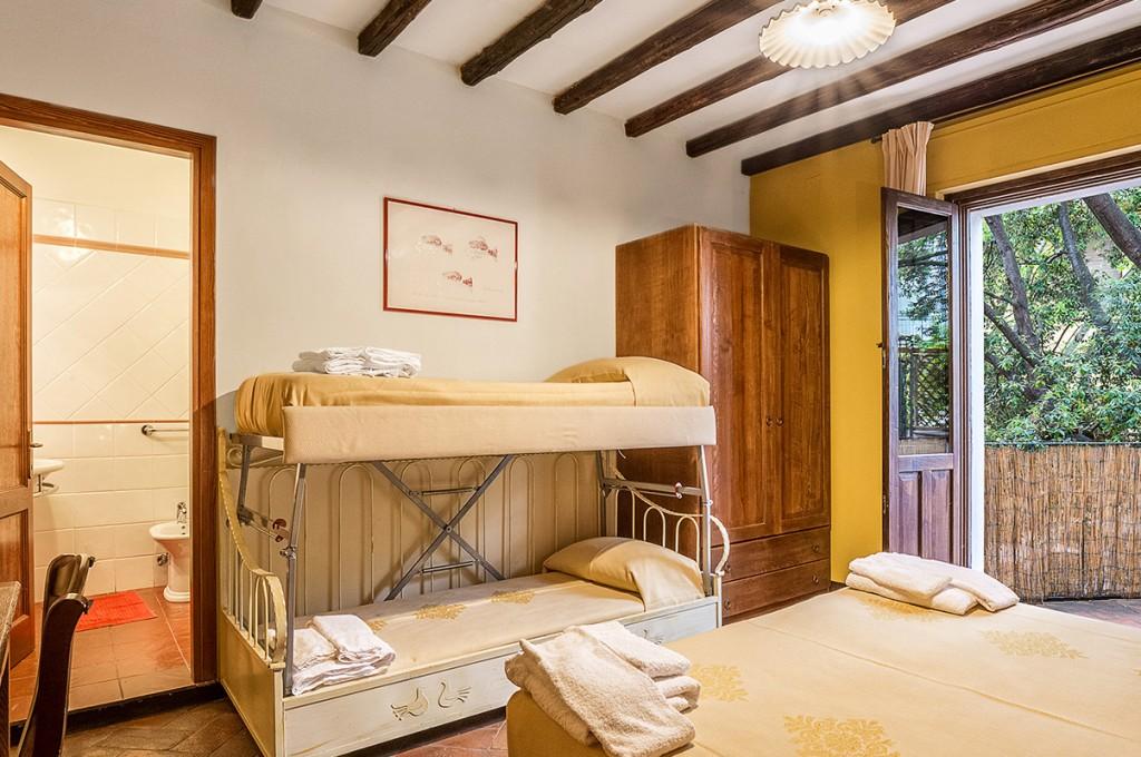 albergo-santa-maria-santa-maria-navarrese-terrazza-camere-3